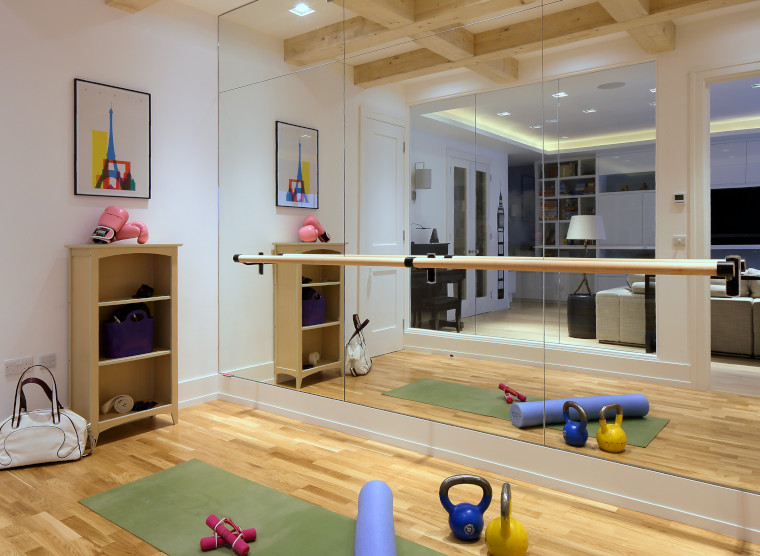 Home gym by Galuchat Design