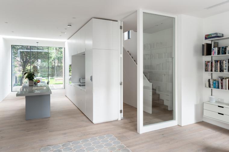 The white kitchen in the Passivhaus